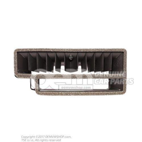 Entretoise p. boitier de repartiteur d'air 8K1858431A