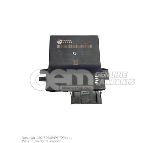 Interface de diagnostic pour bus de donnees (passerelle) 4E0907468H