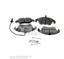 1 комплект тормозных колодок с индик. износа для дисковых тормозов 8K0698151J