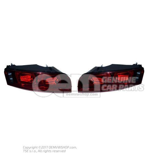 Feux arrière (V10) fumé 420945095B 420945096B OEM01455285