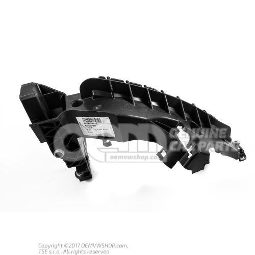 Крепление фары 8K0805607B