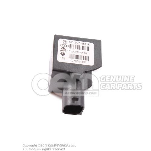 Sensor de aceleracion 1J0907651A